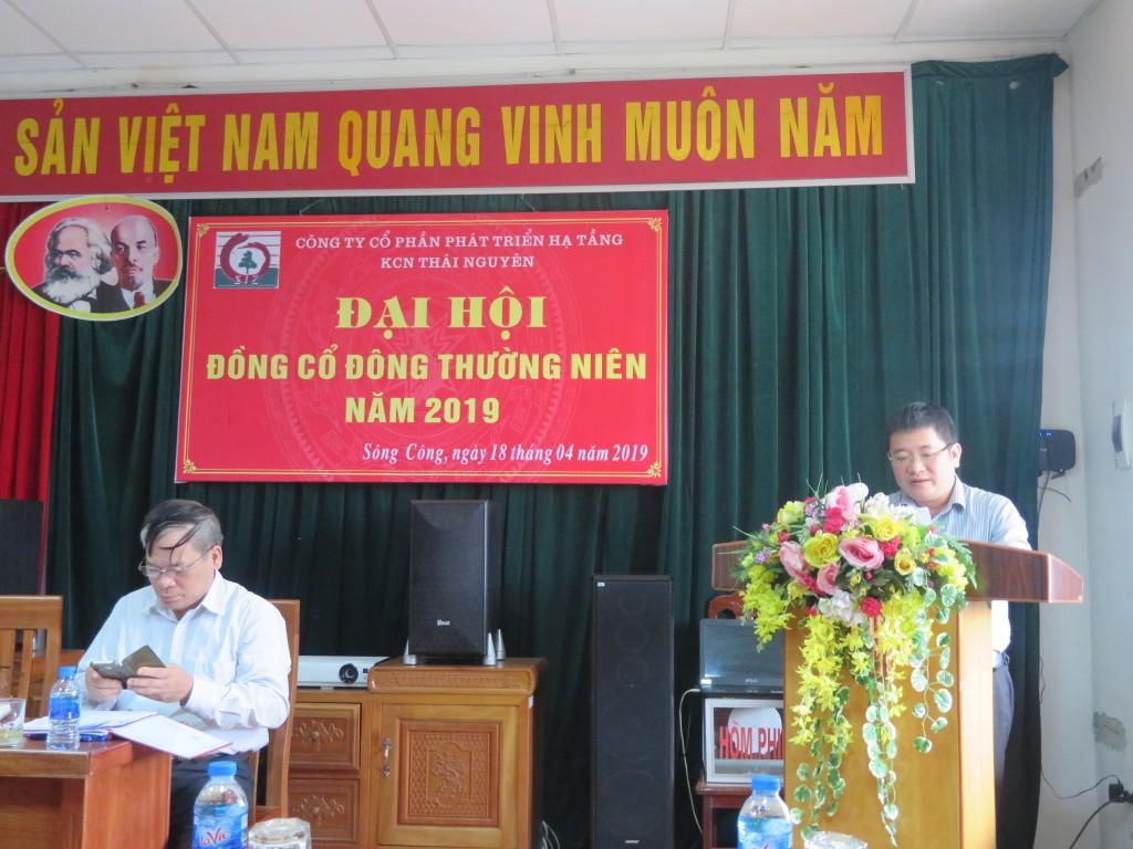 Đ/c Đinh Việt Tùng – Chủ tịch HĐQT thay mặt Đoàn chủ tịch thông qua Báo cáo hoạt động của HĐQT năm 2018 và định hướng năm 2019